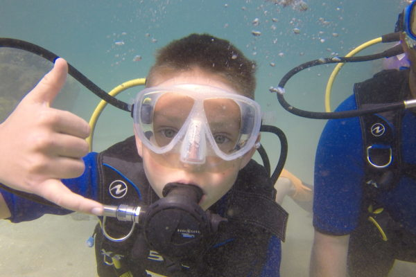 Kids Beginner Scuba Class in Maui